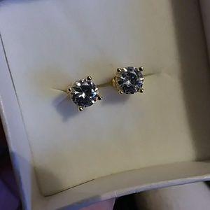 VVS1 2Ctw Lab created diamond studs